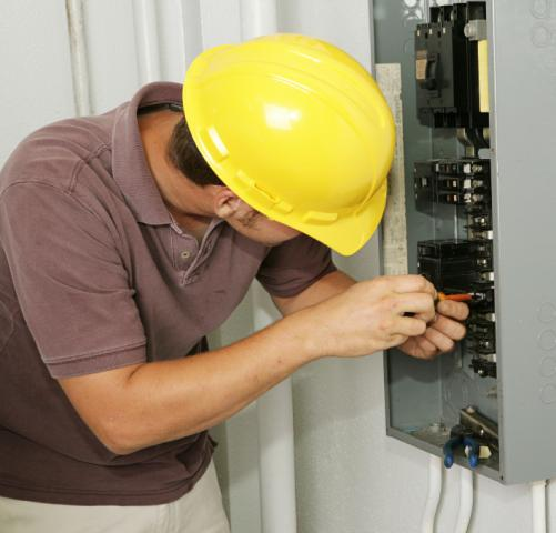 electrician-electrical-breaker-panel.jpg